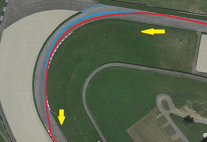 تصویر فوق پیچ شماره ی پنج را نشان می دهد که در آن مسیر آبی ریسینگ لاین ایده آل و مسیر قرمز ریسینگ لاین مورد استفاده ی رانندگان است