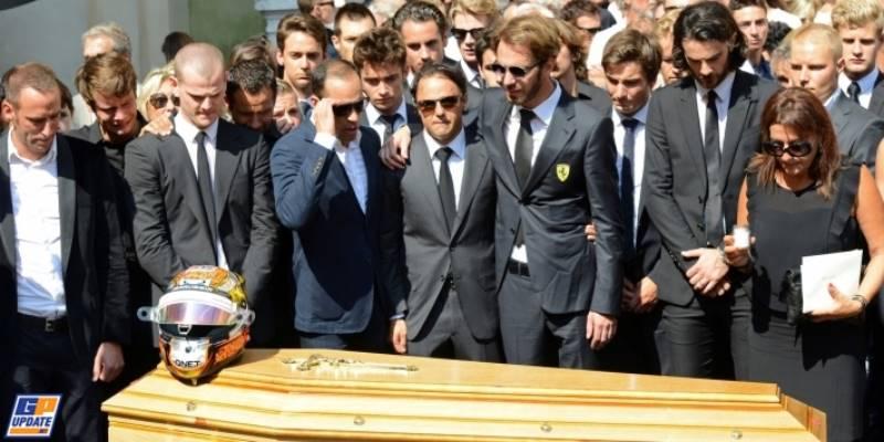 حضور رانندگان در مراسم خاکسپاری ژول بیانکی