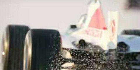 سریعترین خودروی فرمول یک جهان در دریاچه نمک