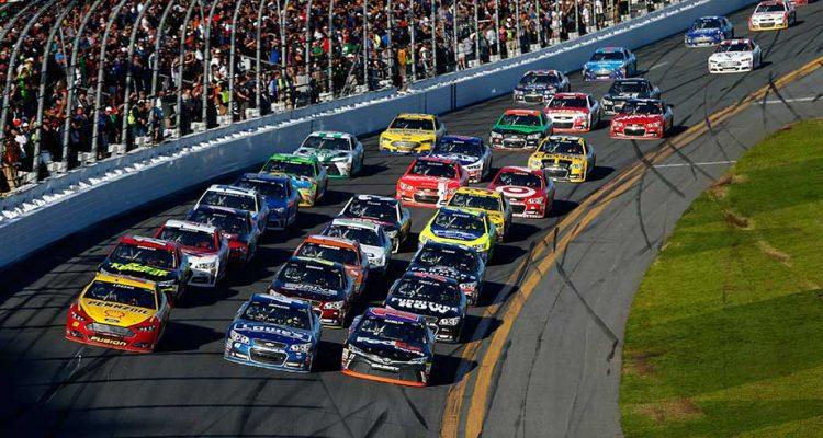 Daytona-cars-lined-up