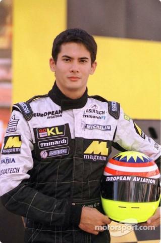 الکس یونگ ، راننده ی تیم میناردی