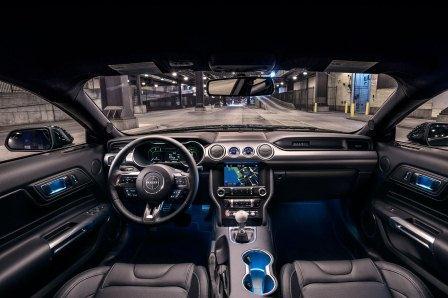 فضای داخلی خودرو