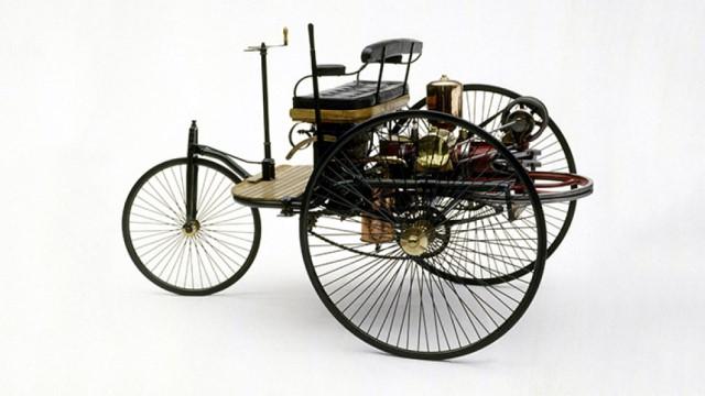 اولین خودروی درونسوز