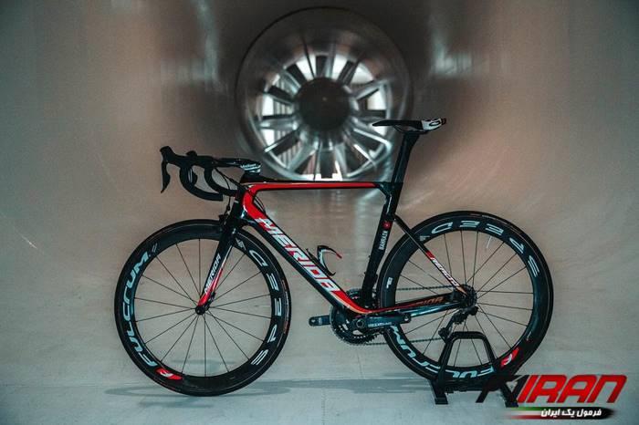 دوچرخه تیم مریدا بحرین - مکلارن